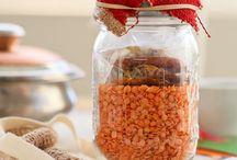 Foodie Gifts / by Christi Bradley