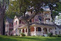 "Elgin's Historic Homes / Historic homes & ""painted ladies"" in Elgin, IL"