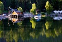 Villa pieds dans l'eau Un logement paradisiaque /  Comme l'eau qui peut bien refléter le ciel et les arbres, l'esprit ne peut refléter la véritable image que quand il est tranquille et détendu. «  -Indra Devi- www.tafdeco.com