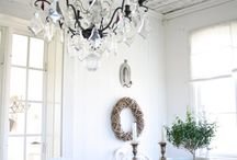 Riverhouse dining room