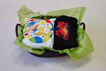 Canastillas / Preparamos todo tipo de canastillas con nuestras prendas personalizadas. Un regalo perfecto y orginal.