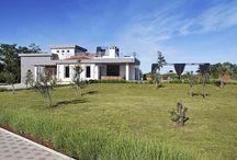 Kroatien - Designervilla - Vodnjan / Luxus, Raffinesse und eine zeitlose Eleganz verbinden sich in dieser Villa mit perfekt durchdachter Gestaltung.  Grosser Wohn- und Essbereich, Terrasse mit offenem Kamin und Pool, Dachterrasse mit Jacuzzi weitläufiges Grundstück mit diversen Sportanlagen.
