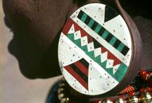 Zulu tribe / Did you know that the biggest South African population group is the Zulu? The Zulu mainly live in rural settlements in KwaZulu-Natal and have a king. Nowadays there are 9 million Zulu-speaking people who live mainly in KwaZulu-Natal Province of South Africa. Even though many Zulu live in urban areas, while others live in traditionally structured rural communities, their links remain strong.