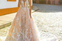Vestido de Noiva | Casamento / Inspirações de Vestidos de Noiva Wedding Dress www.blogrealizandoumsonho.com.br
