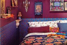 † Bohemiam et Gipsy Style / Un style de déco des Saintes Maries de la mer. Le bohème chic avec des couleurs vives. Un côté arc-en-ciel du blingbling gitan qui va permettre de résituer l'esprit roulotte et tout l'univers folf du flamenco et de l'esprit gitan