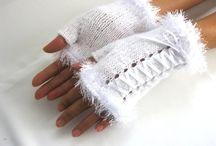 fingerless gloves / gloves