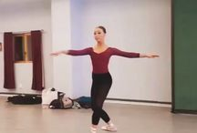Dancer, Sophia Lucia wearign Fuzi pointe