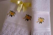 toallas bordadas con cinta