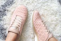 Elegant sneakers