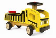 Loopauto's / Loopauto,s in diverse vormen. Je motoriek verbeteren met je loopauto. Door de kamer racen en rond rijden met je nieuwe aanwinst.