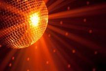 večírek/ night party