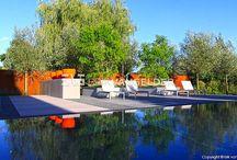 wellnes, zwembad en jacuzzi's / luxe zwembaden, jacuzzi's verwerkt in een mooi tuinontwerp