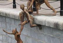 esculturas y construcciones