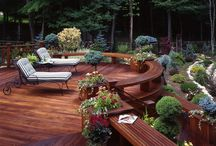 Gorgeous Deck Ideas / It's that time of year! Time for BBQ'ing, family get-togethers, parties with friends and wine in the evening under the stars. Let's kick it off right with these fantastic deck ideas!