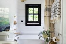 Bathroom Decorating Ideas / Bathroom decorating inspiration no matter what the budget. From and easy shower curtain update to paint and tile ideas.