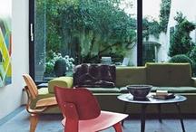 Holzstühle / Holzstühle sind out und waren höchsten zu Omas Zeiten im Trend? Unsinn! - Der LCW - Chair von dem Designerpaar Charles und Ray Eames, ist das zeitlose Beweismittel, dass Holzmöbel niemals aus der Mode sind.