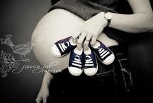 Ikres kismama fotó ötletek, Twin maternity photos