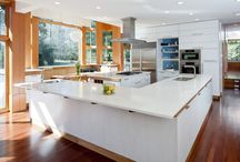 Kitchens / This board is full of ideas for kitchens, from countertop choices, to kitchen layouts, to color palettes and material choices, there's lots of photos to inspire you when designing your own kitchen.