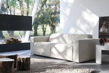 Sofa rozkładana Dodo / Piękna sofa rozkładana włoskiej marki Rigosalotti zachwyca swoją lekkością i minimalizmem. Wykonana z doskonałej jakości drewnianych listew i wyściełana pianką poliuretanową. Sofa doskonale prezentuje się w przytulnych salonach i biurach.