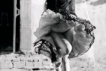 #SiyahBeyazGüzeldir ♥♥♥#BeautifulBlackAndWhite / ♥♥♥ Life is an extraordinary adventure. You can not participate with ordinary fixtures to an extraordinary adventure.@aliözeren