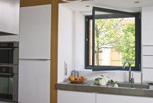 Ouvertures sur votre cuisine / La cuisine est un espace d'échange où il fait bon se sentir bien. Partagez les fenêtres Janneau et épinglez les tendances qui nous inspirent au quotidien.