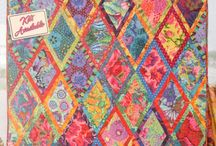 Boardered Diamonds quilt