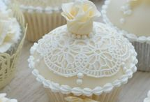Neutral colour wedding cakes