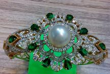 Diamond Jewellery / We are make to 18kt  Diamond studded jewellery. All type of Diamond Quality..