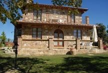 Tuscany Farmhouses / http://www.tuscanyfinerentals.com/tuscany-farmhouses/
