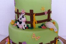 Fondant farm fence for the side of the cake