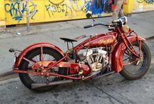 Motorcycles / by Ryan Feldkamp
