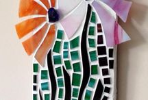 Mosaics / Mosaic inspiration made from glass, tiles or other porcelain/broken objects.