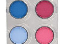 Paletas sombras GRIMAS / Paletas compuestas de 12 sombras de diferentes tonalidades en colores mate o perla de gran calidad, versátiles y de alto contenido en pigmento.