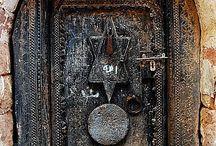 doors handles and knockers