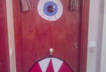 HALLOWEEN DOORS / Puerta adornada halloween