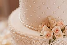 Wintage wedding cakes