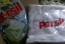 #PersilPower-Mix / #Persil Power-Mix Caps #PersilPower-Mix. Detergentul Persil Power-Mix Caps primit in testare de BUZZStore si #Persil contine o cutie de detergent cu 28 capsule gel si pudra, 10 mostre de capsule gel si pudra Persil Power-Mix Caps, 1 prosop inscriptionat cu dimensiunea 45x70cm. Inca de la primirea coletului am fost placut incantata de produsele primite, in plus, capsulele Persil Power-Mix Caps au si un miros atat de placut incat din prima zi am inceput testarea capsulelor minune.
