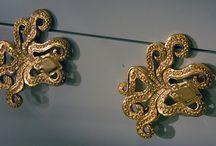 μυκηναικός και μινωικός πολιτισμός / ενδυμασία,κοσμήματα