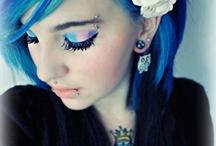 Emo Girls  / Find Sie alle so mega hübsch o.O  Hier auf Facebook nur ne Seitemit Bildern mit Alben wie Piercings, Tattoos, Visual Kei, Blood etc http://www.facebook.com/KyuuKetsukiOfficial
