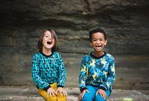 """AW16 / Una colección que nace con el embarazo de nuestra hija Mei y que durante su proceso creativo fue cambiando de forma, de estampados y de su planificación de producción. La vida de eso se trata, en continuo """"Movimiento"""", siempre cambiando y dejándonos una aprendizaje en cada cambio, siempre con fluidez y libertad. Lo que deseamos para nuestros pequeños, crecer con libertad y movimiento, por eso nuestras prendas se adaptan a sus cambios, sacándole asi le máximo rendimiento."""
