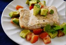 High Protein Dinner -Healthy Dinner Ideas -  / In my quest to get healthy and strong, I am trying to always bring in and serve foods that are high in protein and high in healthy fats. Below are the collection of healthy meals that are not only easy to prepare but are also nutritious.