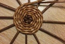 плетение круглого дна из газетных трубочек