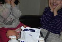 Sapun Lichid Dove / #buzzdove @buzzstore Am primit spre testare kit-ul  DOVE de la BUZZStore si Dove! Kit-ul DOVE, contine:  - 1 x set de testare format din: sapun-crema lichid Dove Original 250 ml si o rezerva Dove Original 500 ml; - 2 x sapun-crema lichid Dove Original 250 ml pentru 2 prieteni sau colegi; - 5 x brosuri informative pe care sa le oferi prietenilor si colegilor tai, impreuna cu impresiile tale din campania de testare; - 1 x prosop de maini; - 1 x ghid de BUZZ.