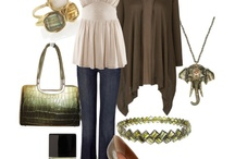 Outfits / by Jacqueline Bauza