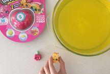 Fizz N' Surprise / Fizz n' Surpise by Moose Toys makes a fabulous gift, party game or Favor bag surprise.