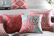 Amerika Salon / 4 adet geometrik kırmızı, 2 adet çiçekli, 2 adet de mexican stlye
