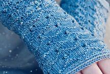 K ... Knitting - Mitts/ Gloves & Handwarmers/ Muffs