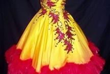 Enchanted! / VINTAGEOUS... Dresses!