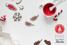 """Weihnachts-Spezial: Knuspern unterm Weihnachtsbaum / Wer freut sich nicht über eine kleine Überraschung? Freuden zu teilen, machen den Alltag schöner – besonders zur Weihnachtszeit. In diesem Jahr gibt es daher ein ganz besonderes Weihnachtsspecial: Erika Kraus & Sören Anders laden gemeinsam mit den Mädels aus """"Post aus meiner Küche"""" zum Weihnachtsbacken und verschenken ein. Die Leckereien gibt es hier zu bestaunen. Danke fürs Mitmachen!"""
