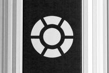 Prisma Button / Armbågskontakter. En vandalsäker strömbrytare, dörröppnare, portöppnare. Flera inställningar: Tryck försiktigt = knappen lyder. Spark krävs = knappen lyder.